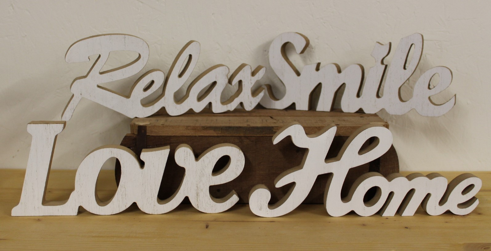 "Schild ""Home, Love, Relax, Smile"""
