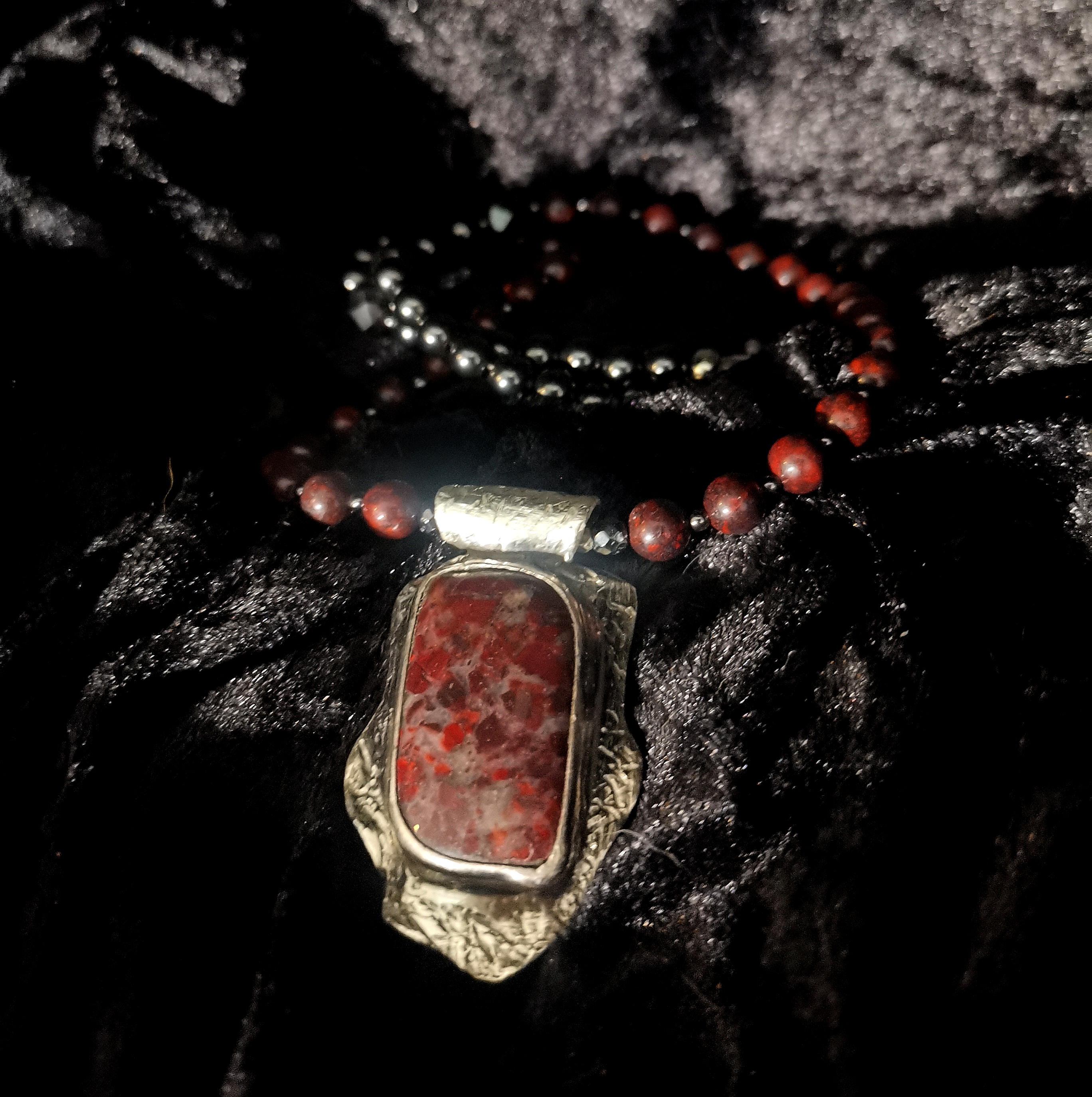 "Collier mit Silber-Anhänger ""Bloody Mary"""