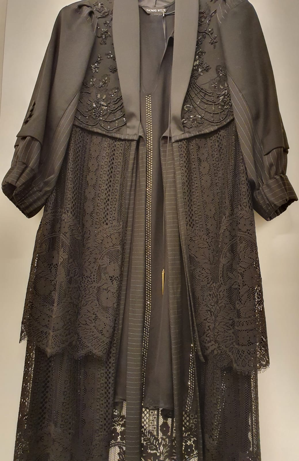 DONNA Les Boutiques - Dress with Coatdress lace and embroidery