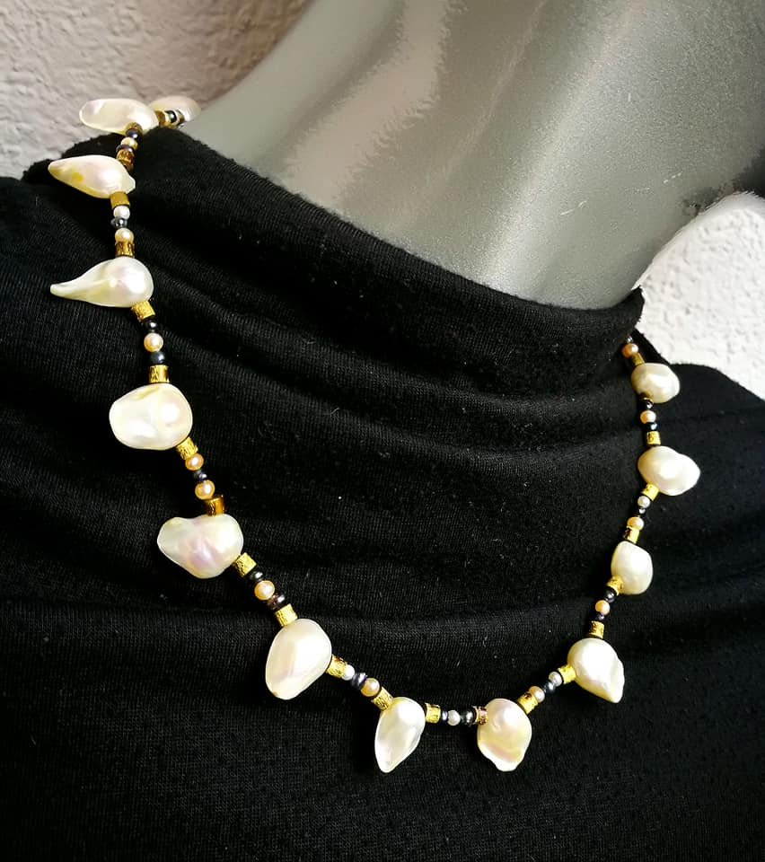 "Perlen-Collier ""Shiny Pearls"""