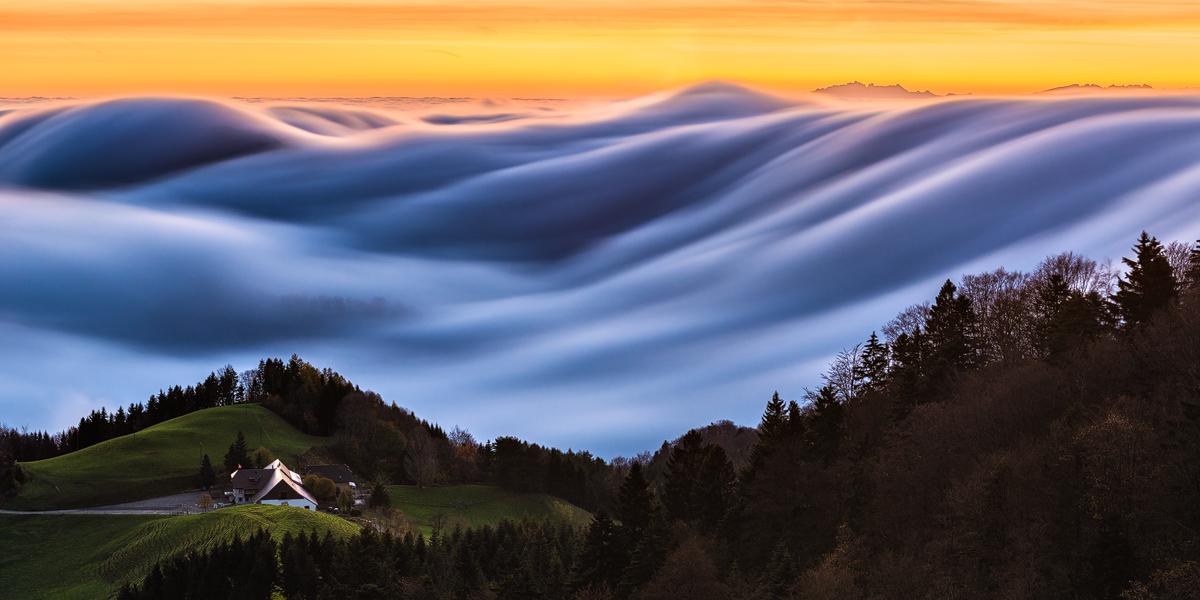 Belchen-Schweiz-Nebelwelle-Oberblchenjpg